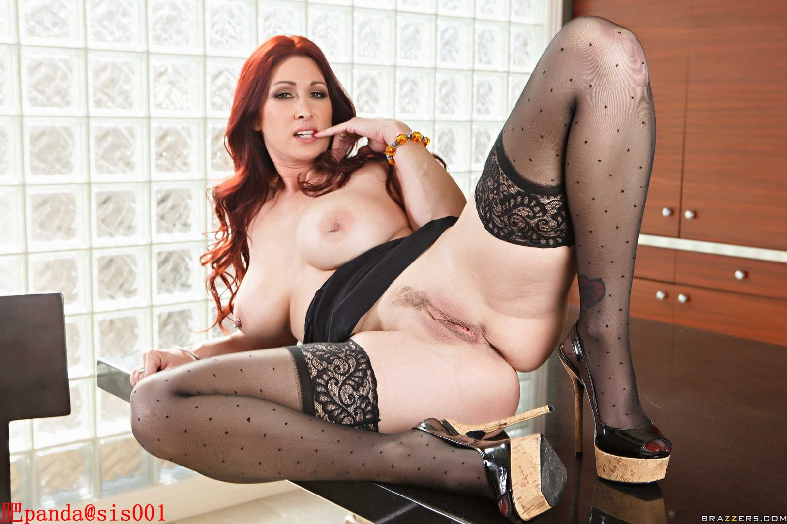 Tiffany Mynx,Danny Mountain-MILF Huntress1[108P]